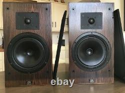 Monitor Audio R852MD Stereo Speakers, real walnut veneer