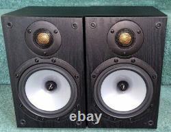 Monitor audio mr1 stereo Bookshelf Speakers in Black oak finish & mint condition