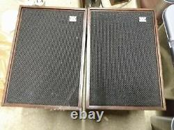 60s Stéréo Séparé Système. Le Bruit Du Métro. Conférenciers Internationaux De Quai Eagle