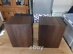Moniteur Audio Bronze 2 Stereo Speaker Paire Walnut Open Box Impeccable