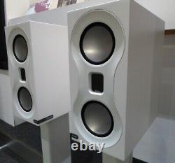 Moniteur Audio Studio Haut-parleurs Blancs + Moniteur Stands